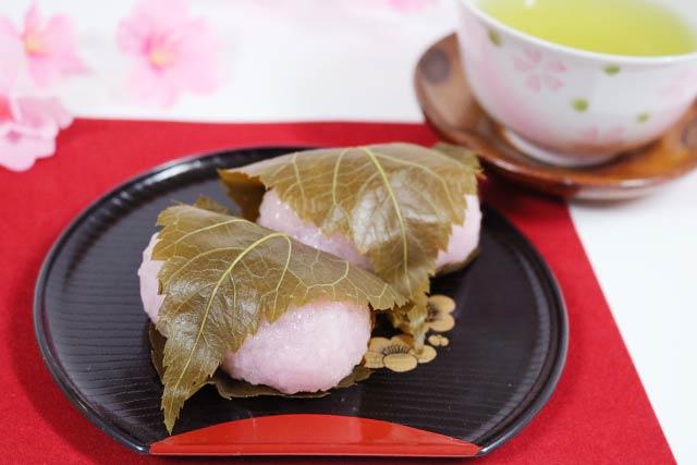 関西の桜餅(道明寺)
