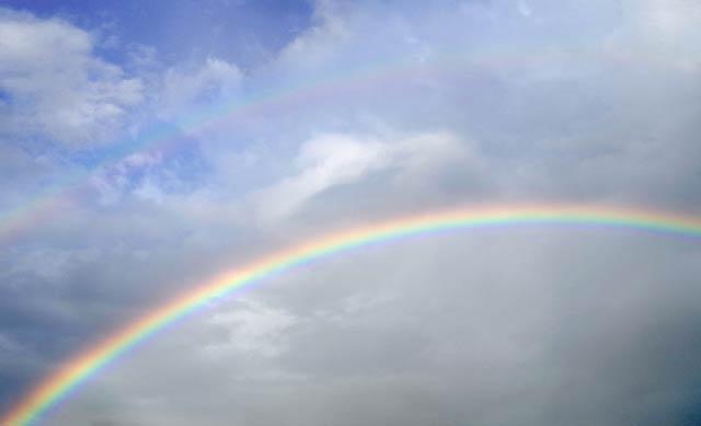 の 虹 は 季語 冬 に関する