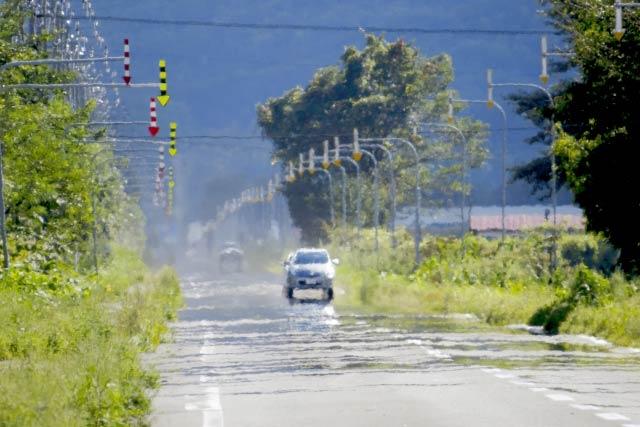 道路の逃げ水