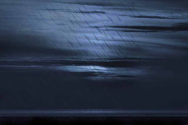 満月の日の雨